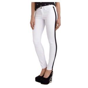 BB Dakota Jeans - BB Dakota Skinny Jeans with Tuxedo Side Ribbon